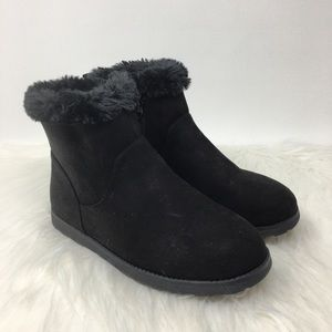 Cat & Jack Girls suede Shearling ankle boot black